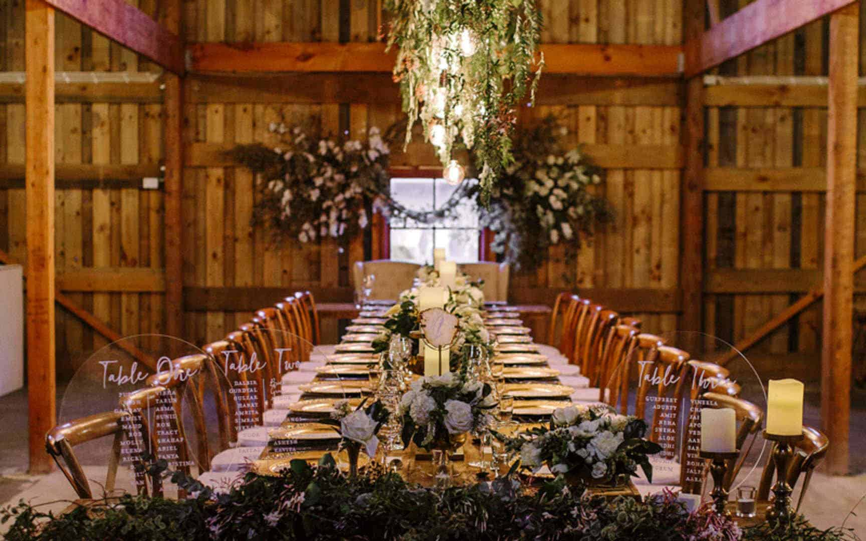 Flowery wedding dining table